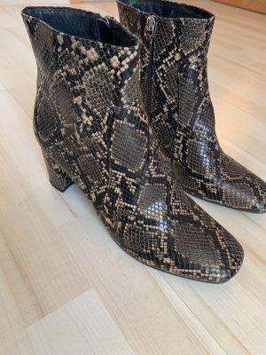 Boots Schlange