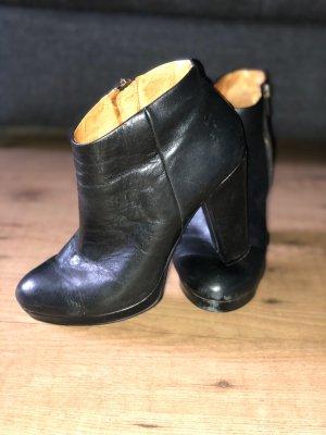 Boots schwarz Buffalo London