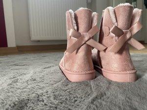 Boots Stiefel der Farbe Rosa