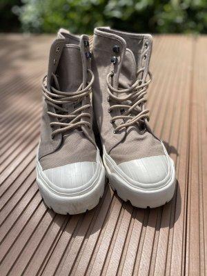 H&M Botas con plataforma beige-blanco