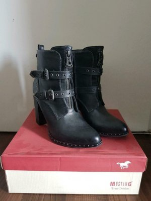 Boots, Stiefel Mustang