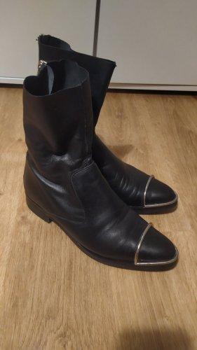 Boots Stiefel schwarz mit silberner Kappe Gr. 40