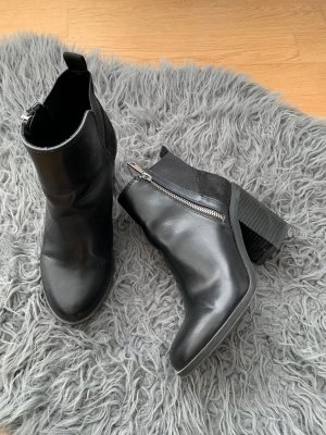 Boots / Stiefelette