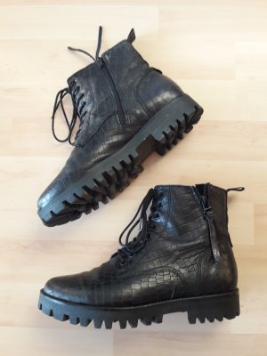 Boots Stiefelette mit robuster Sohle