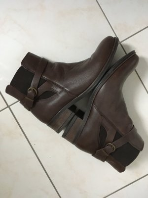 Sixth Sense Booties brown leather