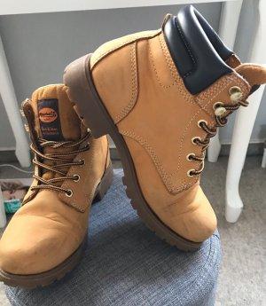 Boots von Dockers
