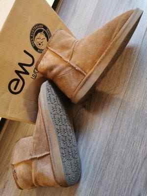 Boots von Emu