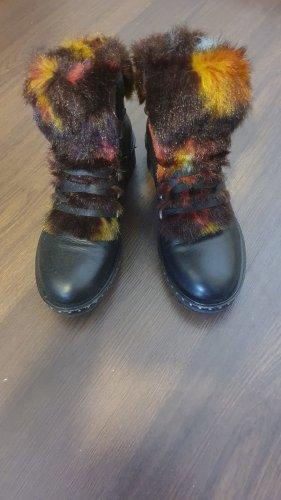Boots von YKX & Co.