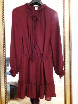 H&M Robe à volants bordeau