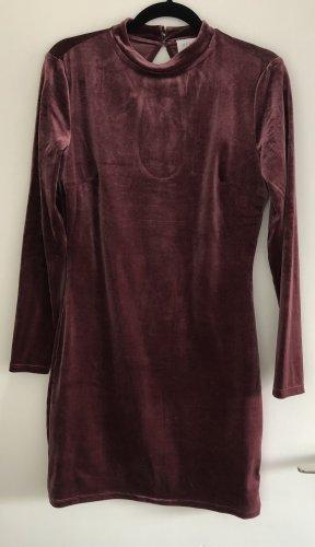 Bordeauxes Kleid