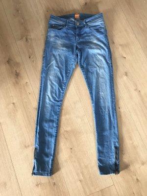 Boss Orange Jeansy o obcisłym kroju niebieski-błękitny