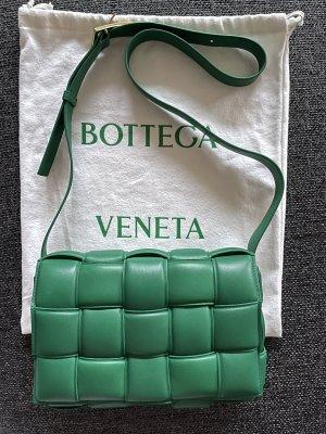 Bottega Veneta Padded Casette in Racing Green❤️