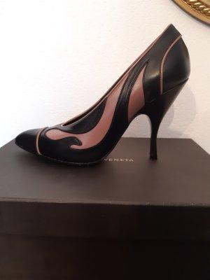 Bottega Veneta: spitze Pumps aus zweifarbigem Leder, Größe 38
