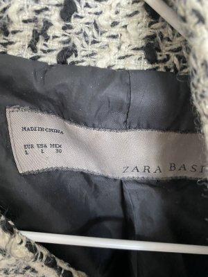 Boucle Jacke in schwarz weiß kariert von ZARA