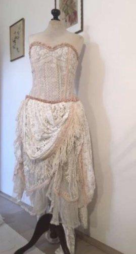 Bourlesque Hochzeitskleid aus antiker Spitze Dedignerstück