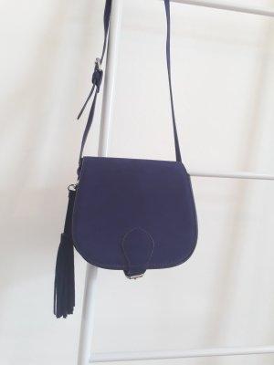 Boxbag mit samtiger Oberfläche