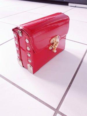 Boxbag Tasche klein Koffer lackleder rot gold London vintage blogger
