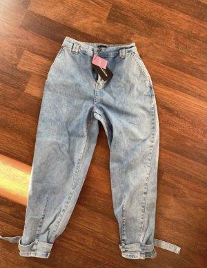 Pretty Little Thing Spodnie typu boyfriend błękitny