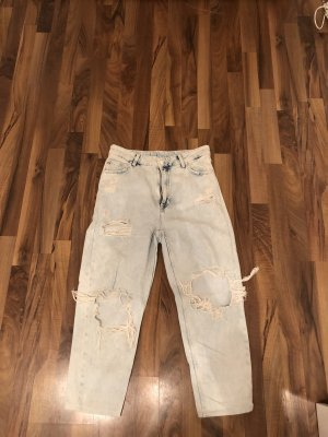 Boyfriend Jeans mit rissen