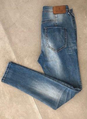 Boyfriend-Jeans von Review