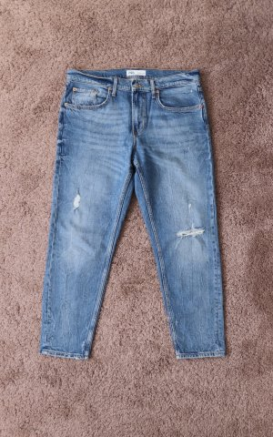 Boyfriend Jeans von Zara Größe 40 im Destroyed Look