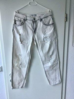 Boyfriend Jeans von ZARA in Gr. 40 L Vintage Grau Weiß Destroyed