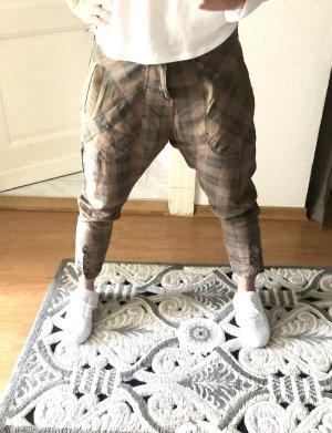 Spodnie typu boyfriend szaro-brązowy-czarny