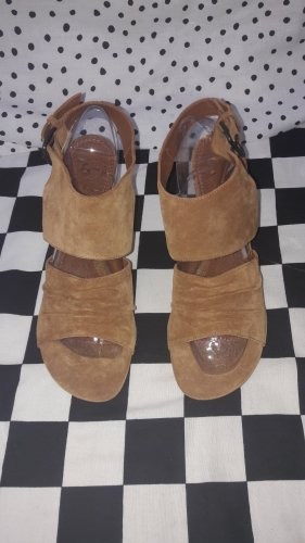 BP Zone Strapped Sandals brown-cognac-coloured