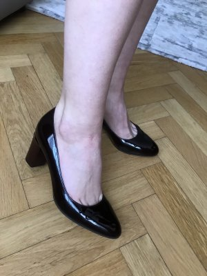 Brand new business shoes