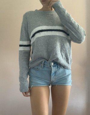 Brandy Melville pullover