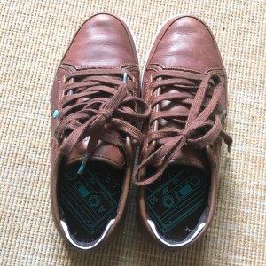 braue Schuhe