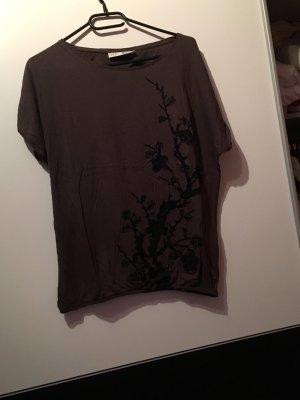 Braun Schwarzes T-Shirt