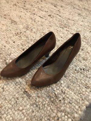 Zapatos formales sin cordones marrón