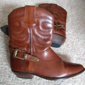 Botas con tacón marrón