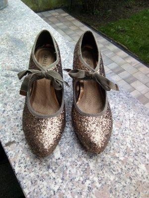 Zapatos Mary Jane marrón-negro