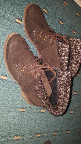 Braune, halbhohe Stiefel