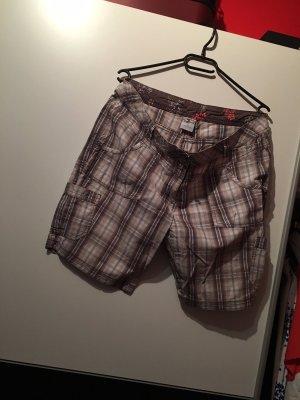 Braune kurze Hose