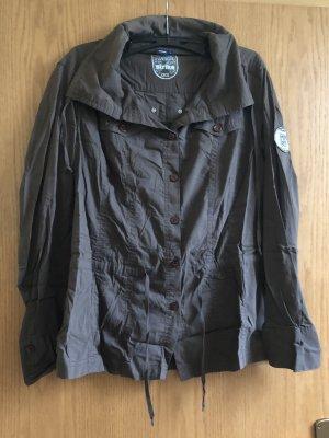 Braune langärmelige Bluse
