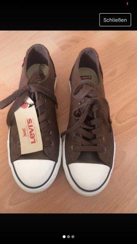 Braune Levi's Schuhe