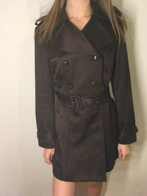 Braune Mantel