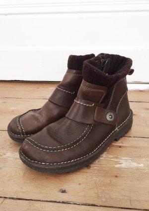 Braune Schuhe aus Leder von Camel Active