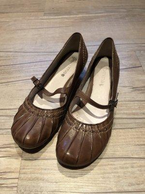 braune Schuhe von Comma