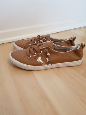 Braune Sneaker