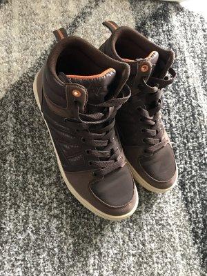 Braune Sneakers im super Zustand