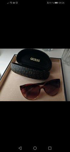 braune Sonnenbrille von Guess