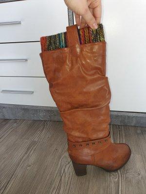 Braune Stiefel in Größe 39 gefüttert mit Absatz