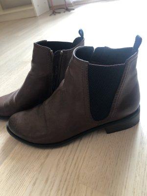 Braune Stiefletten mit Reißverschluss