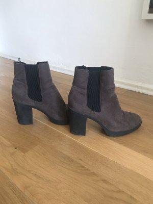 Braune Stifeletten