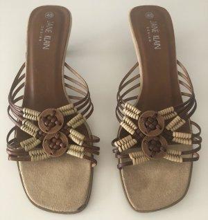 Braune süße Sandaletten im Indianer Look! Sehr guter Zustand!