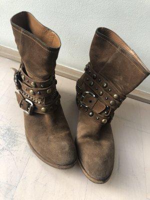 Vero Cuoio Short Boots brown